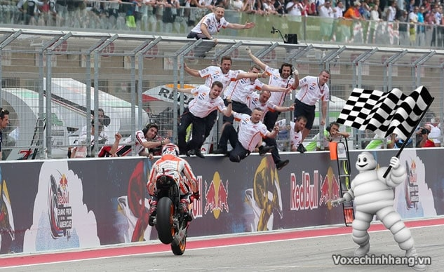 Michelin trở thành nhà cung cấp vỏ xe đua cho giải motogp 2016 - 2