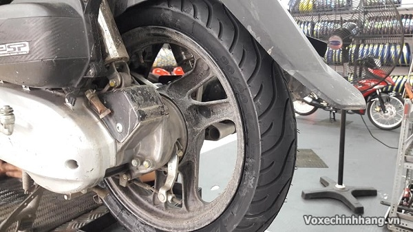 Vỏ xe airblade không ruột giá bao nhiêu lốp loại nào tốt - 3