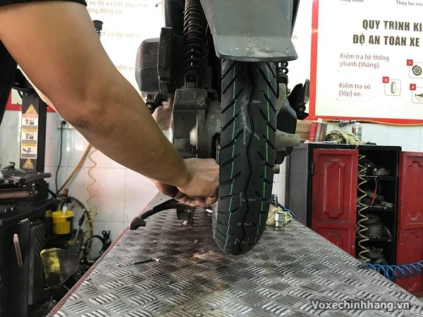 Vỏ xe airblade không ruột giá bao nhiêu lốp loại nào tốt - 2