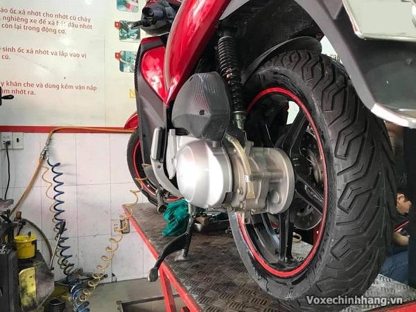 Thay lốp xe sh 150i giá bao nhiêu tiền vỏ loại nào tốt - 4