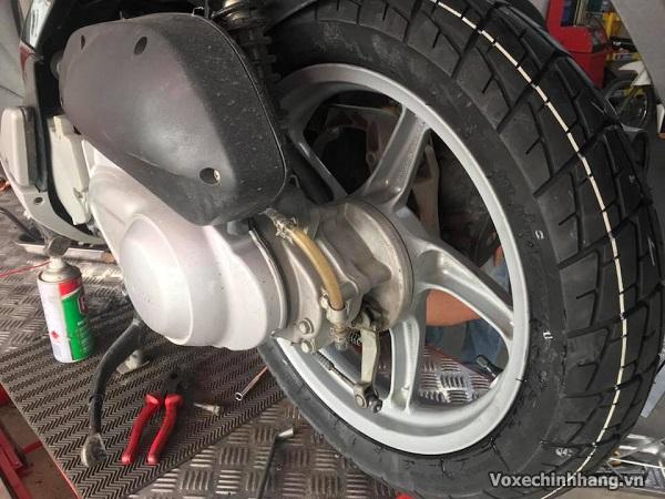 Thay lốp xe sh 150i giá bao nhiêu tiền vỏ loại nào tốt - 2