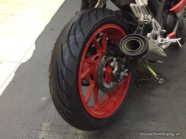 Yamaha r15 thay vỏ pirelli 150 có tốt không giá bao nhiêu - 3