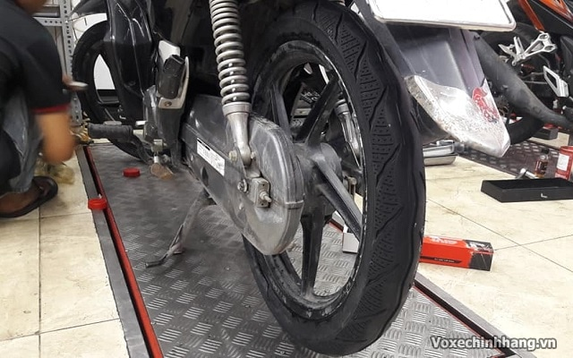 Honda future thay vỏ xe goodride có tốt không giá bao nhiêu  - 4