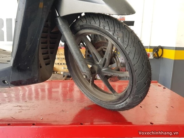 Vỏ xe pirelli 11070-16 angel scooter - 1