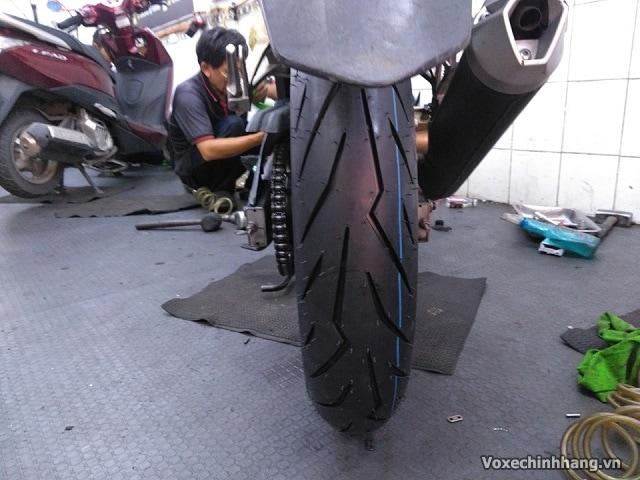 Vỏ xe cbr150 dùng loại nào tốt nhất lốp cbr 150 giá bao nhiêu - 4