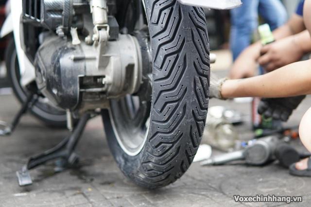 Lựa chọn vỏ xe sh nên dùng lốp michelin hay dunlop cho sh 125 150i - 3