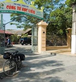 Bán lốp chống đinh Rhino Tire ở Bạc Liêu