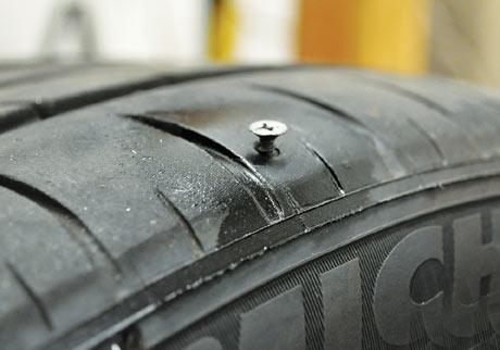 Cách tự vá vỏ không ruột xe máy đơn giản và dễ thực hiện nhất