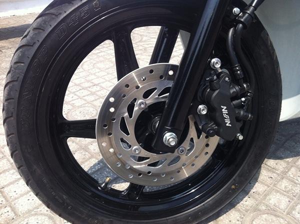 Thay lốp chống đinh cho SH 150i giá bao nhiêu tiền?