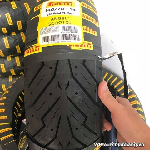 Vỏ xe Pirelli 140/70-14 Angel Scooter
