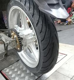 Vỏ xe Pirelli 110/70-17 Angel City