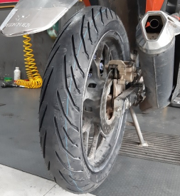 Vỏ xe Pirelli 120/70-17 Angel City